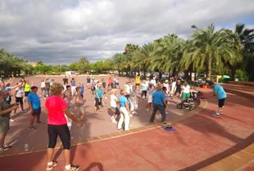 Gymnastik im Park Bassetes